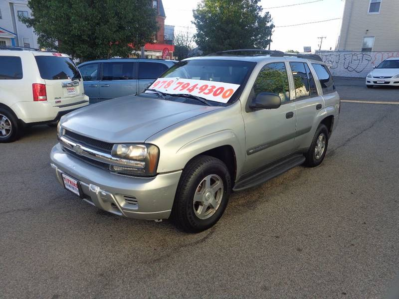 2004 Chevrolet TrailBlazer for sale at FRIAS AUTO SALES LLC in Lawrence MA