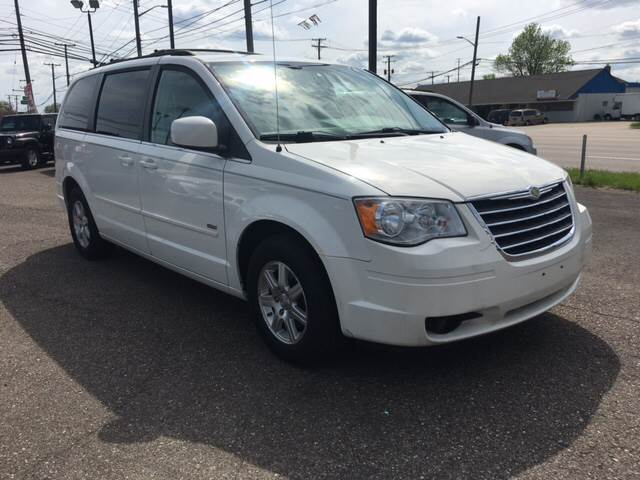 2008 chrysler town and country touring 4dr mini van in roseville mi m 97 auto dealer. Black Bedroom Furniture Sets. Home Design Ideas