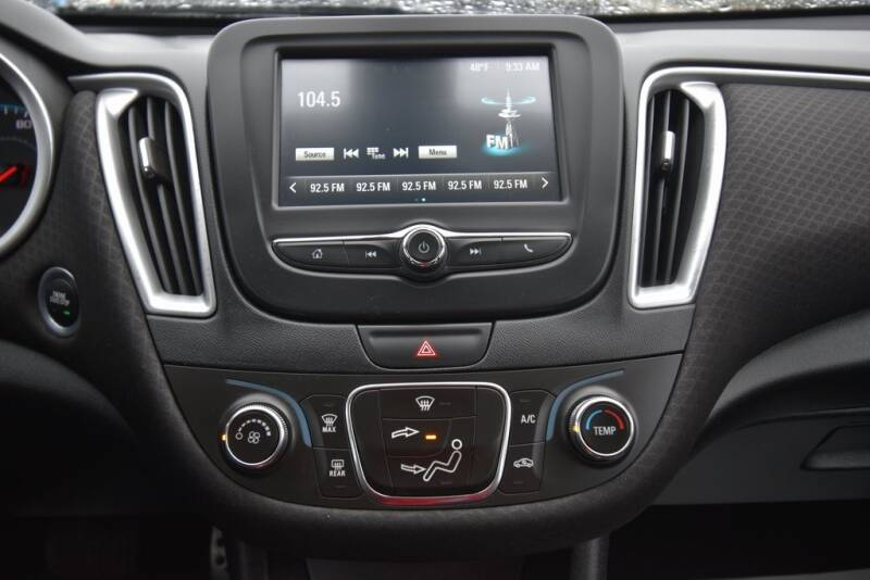 2016 Chevrolet Malibu LS (image 17)
