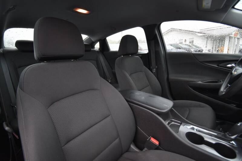2016 Chevrolet Malibu LS (image 25)
