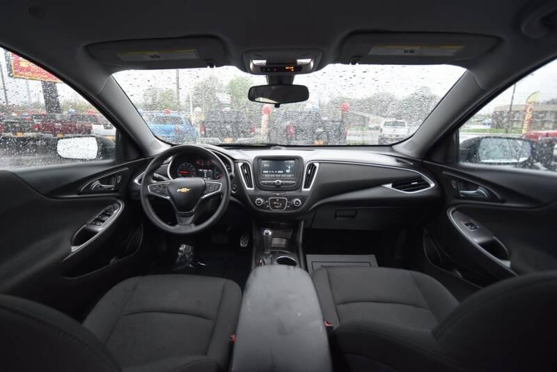 2016 Chevrolet Malibu LS (image 26)