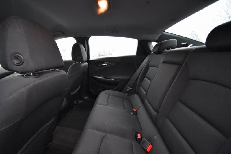 2016 Chevrolet Malibu LS (image 23)