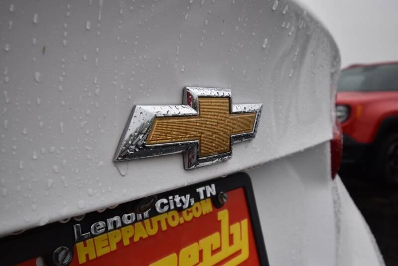 2016 Chevrolet Malibu LS (image 11)