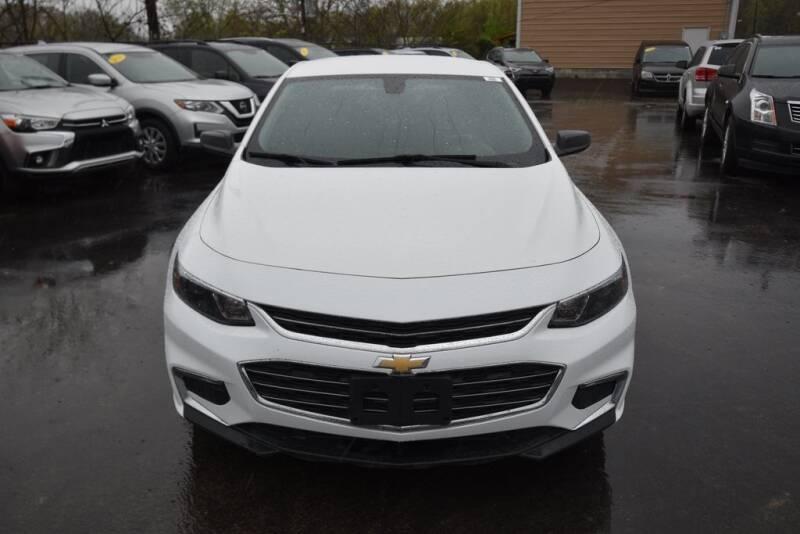 2016 Chevrolet Malibu LS (image 2)