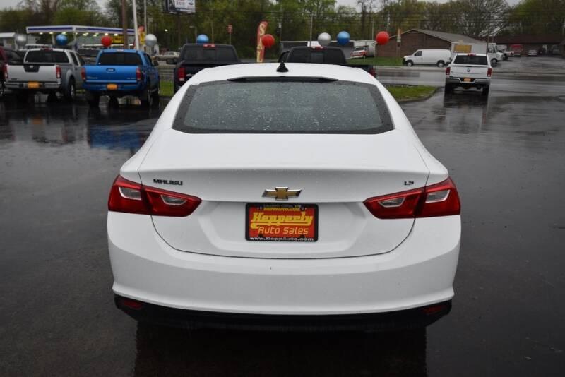 2016 Chevrolet Malibu LS (image 6)