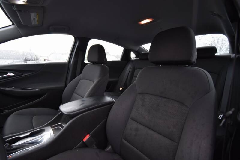 2016 Chevrolet Malibu LS (image 21)