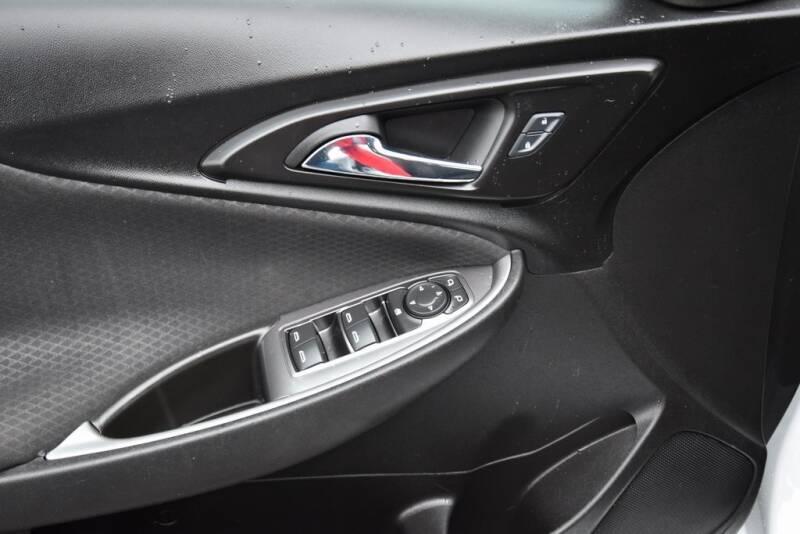 2016 Chevrolet Malibu LS (image 13)
