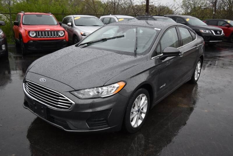 2019 Ford Fusion Hybrid SE (image 3)