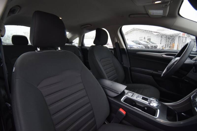 2019 Ford Fusion Hybrid SE (image 23)