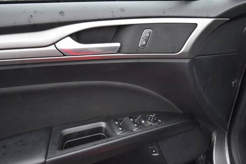 2019 Ford Fusion Hybrid SE (image 11)