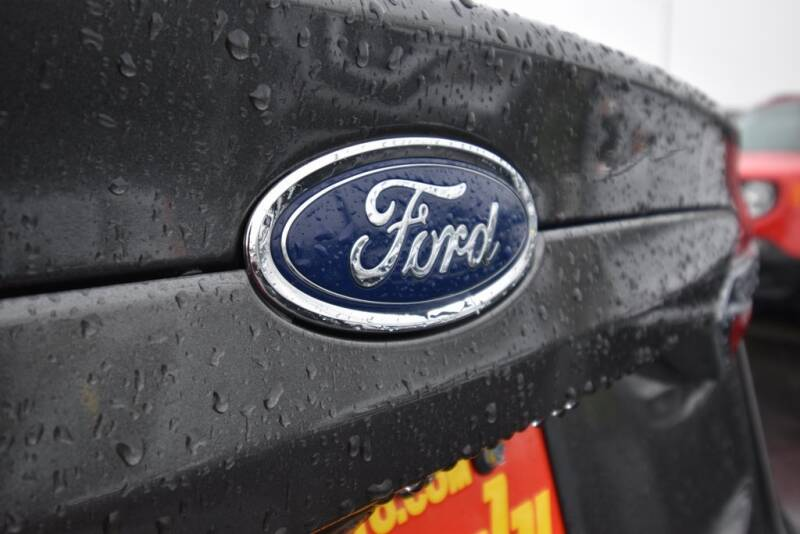 2019 Ford Fusion Hybrid SE (image 10)