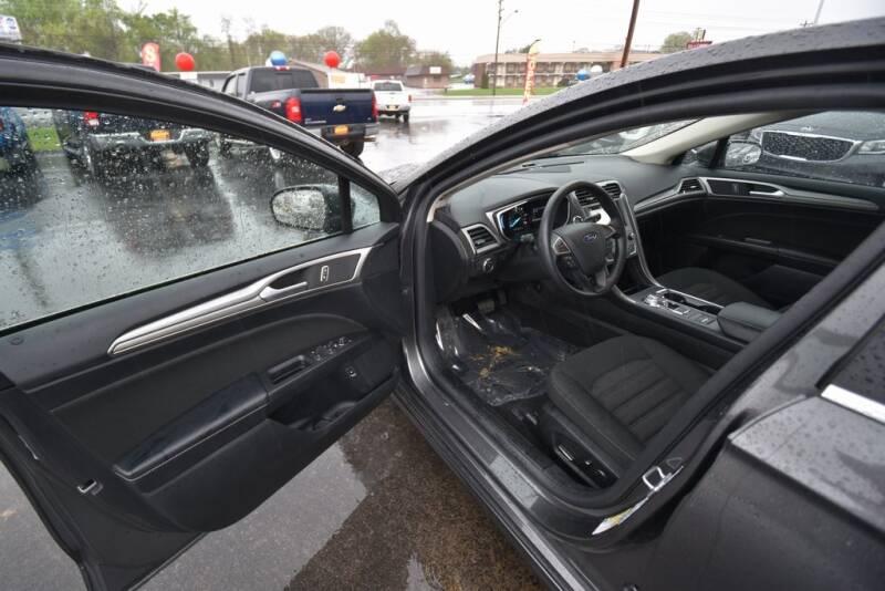 2019 Ford Fusion Hybrid SE (image 18)