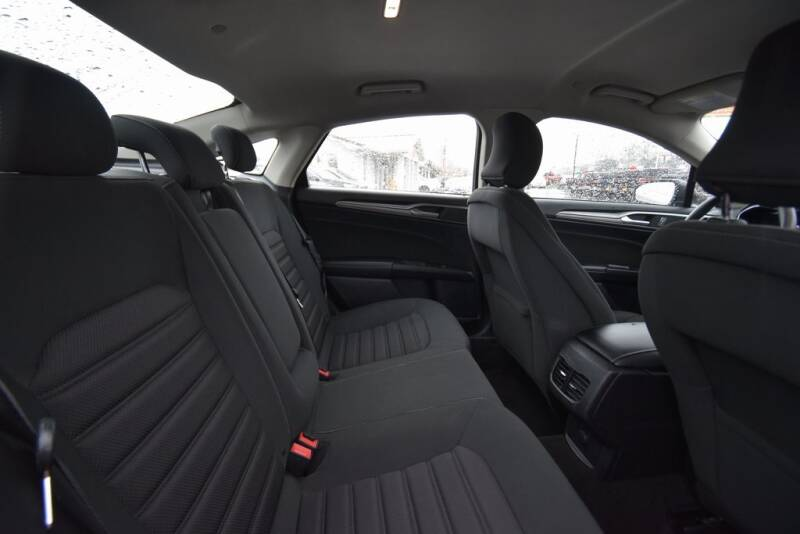 2019 Ford Fusion Hybrid SE (image 22)