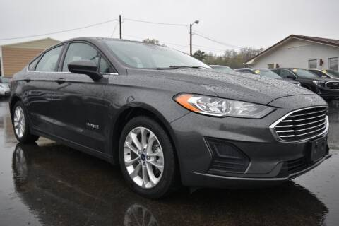 2019 Ford Fusion Hybrid SE for sale at Hepperly Auto Sales in Maryville TN