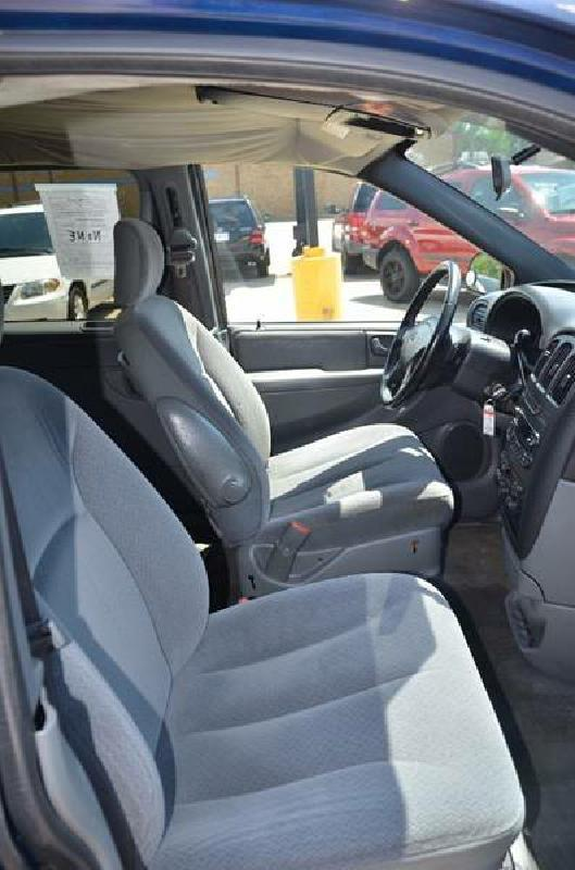 2004 Dodge Grand Caravan SXT 4dr Extended Mini-Van - Milan IL