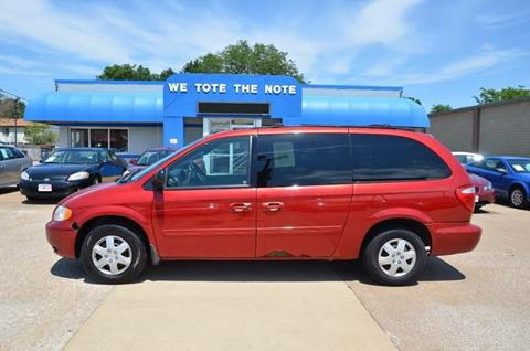 2004 Chrysler Town and Country for sale in Milan, IL
