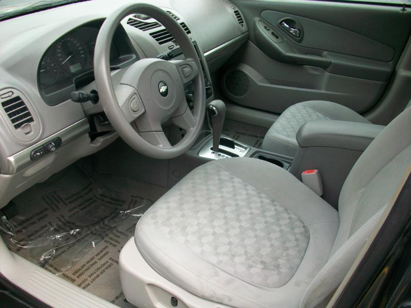 2005 Chevrolet Malibu LS 4dr Sedan - Milan IL
