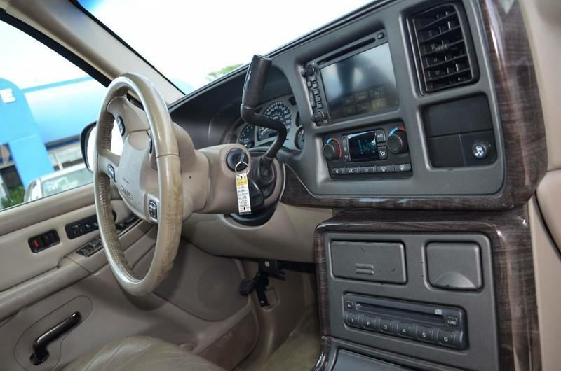 2005 GMC Yukon XL AWD Denali 4dr SUV - Milan IL