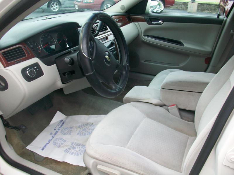 2006 Chevrolet Impala LT 4dr Sedan w/3.5L - Milan IL