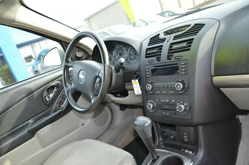 2006 Chevrolet Malibu Maxx LTZ 4dr Hatchback - Milan IL