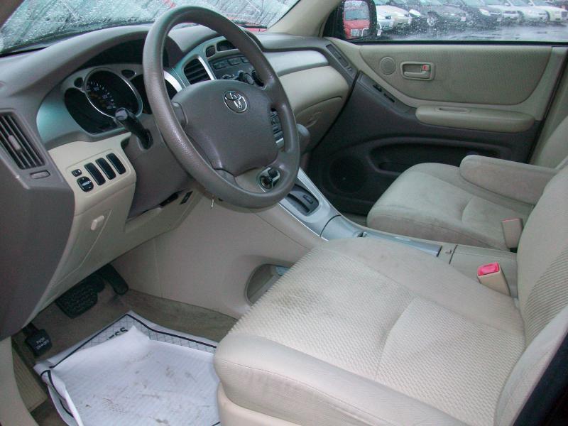 2005 Toyota Highlander Fwd 4dr SUV - Milan IL