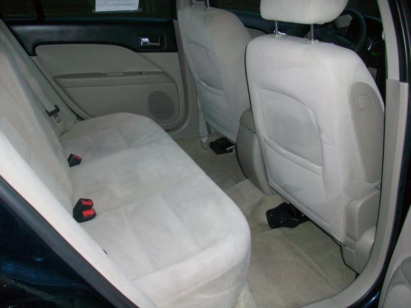 2008 Ford Fusion I4 SE 4dr Sedan - Milan IL