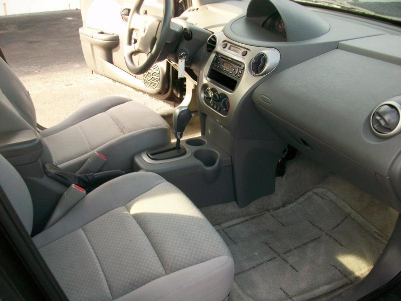 2005 Saturn Ion 2 4dr Sedan - Milan IL