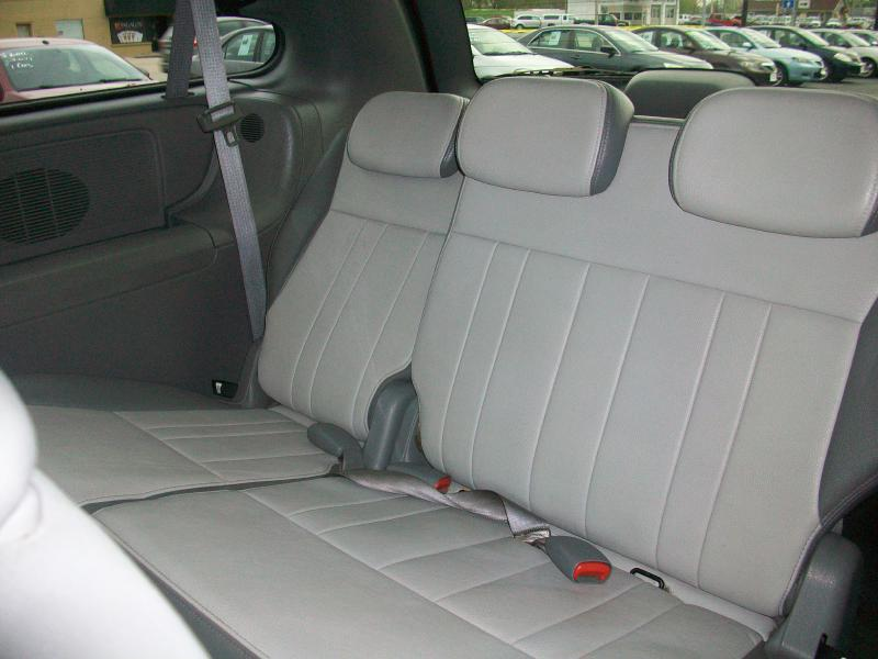 2007 Dodge Grand Caravan SXT 4dr Extended Mini-Van - Milan IL