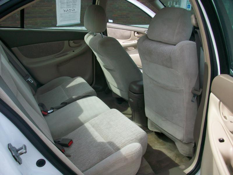 2004 Oldsmobile Alero GL1 4dr Sedan - Milan IL