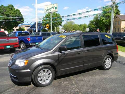 4441a78922718a 2016 Chrysler Town and Country for sale at Boyle Auto Sales in Appleton WI