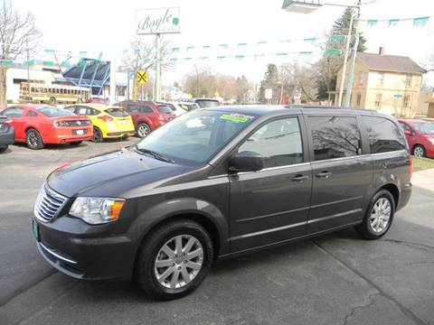 742eed235651cf 2016 Chrysler Town and Country for sale in Appleton