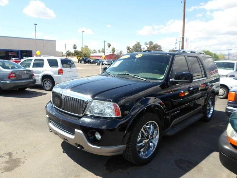 2004 Lincoln Navigator for sale at PARS AUTO SALES in Tucson AZ