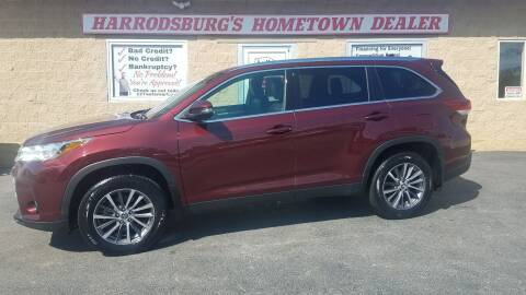 2019 Toyota Highlander for sale at Auto Martt, LLC in Harrodsburg KY