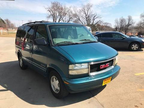 2001 GMC Safari for sale in Omaha, NE