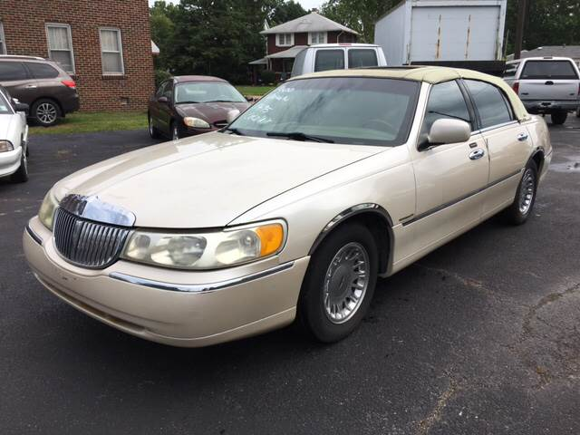 2001 lincoln town car cartier in belleville il jc auto sales. Black Bedroom Furniture Sets. Home Design Ideas