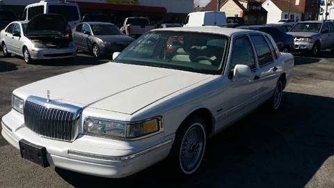 1997 Lincoln Town Car for sale in Belleville, IL