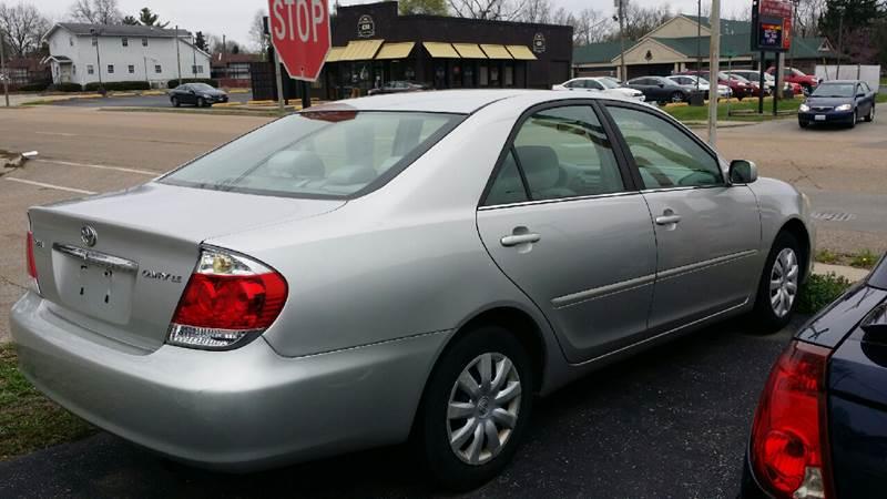 2005 Toyota Camry LE 4dr Sedan - Belleville IL
