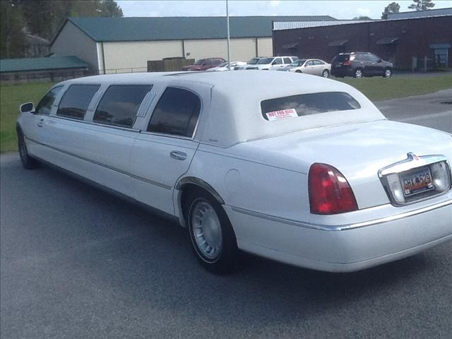 2000 Lincoln Town Car Tiffany 120 Stretch - Florence SC