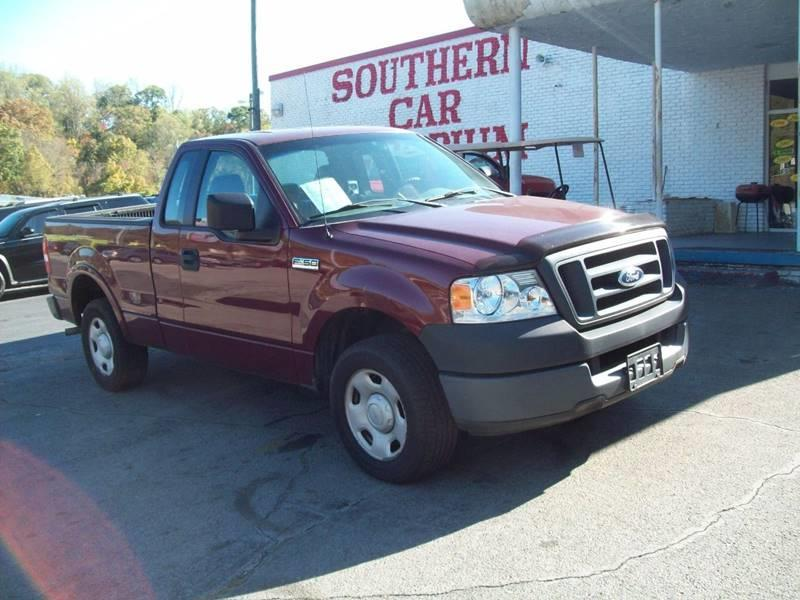 2005 Ford F-150 2dr Standard Cab XL Rwd Styleside 6.5 ft. SB - Knoxville TN