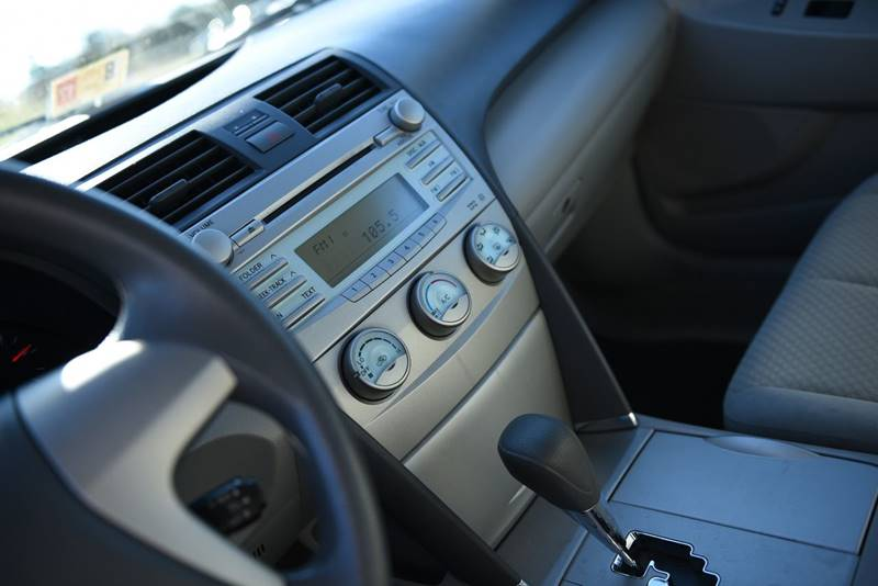 2008 Toyota Camry LE V6 4dr Sedan 6A - Hurt VA