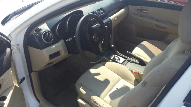 2004 Mazda MAZDA3 i 4dr Sedan - Helena MT