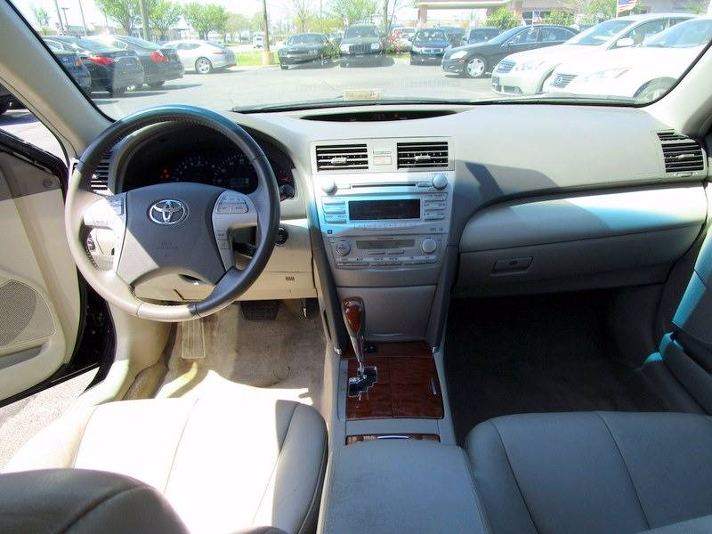 2011 Toyota Camry LE V6 4dr Sedan 6A - Virginia Beach VA