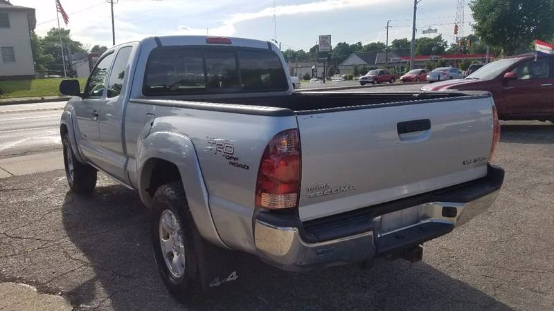 2006 Toyota Tacoma V6 4dr Access Cab 4WD SB (4L V6 6M) - Indianapolis IN