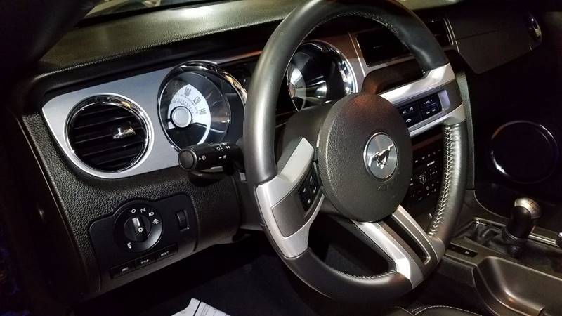 2010 Ford Mustang GT Premium 2dr Fastback - Indianapolis IN