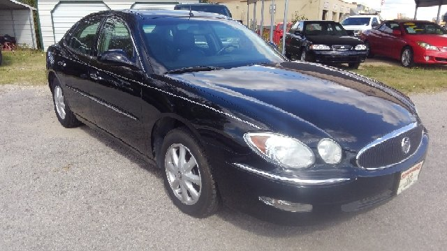 2005 Buick LaCrosse for sale at Townsend Auto Mart in Millington TN