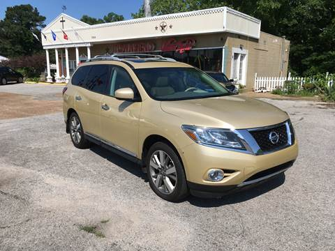 2013 Nissan Pathfinder for sale at Townsend Auto Mart in Millington TN