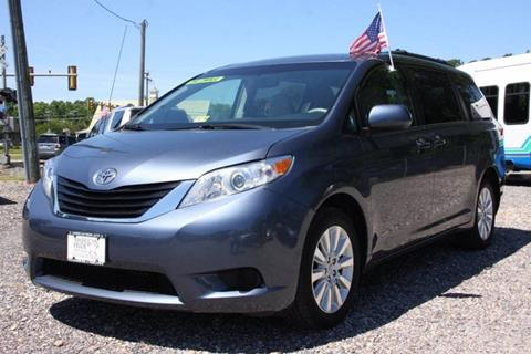 2014 Toyota Sienna for sale in Yorktown, VA