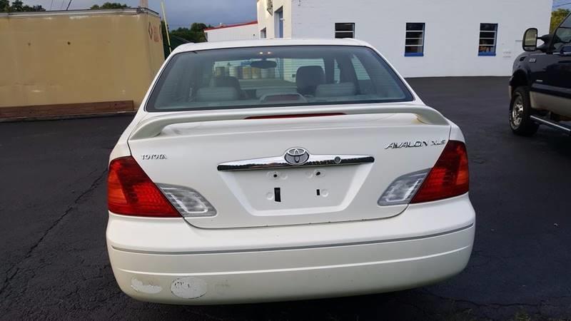Toyota Avalon XLS Dr Sedan WBucket Seats In Clinton NY - 2001 avalon