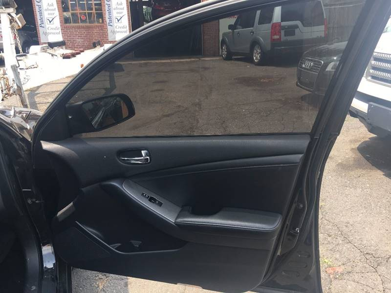 2009 Nissan Altima 3.5 SE 4dr Sedan 6M - Hartford CT