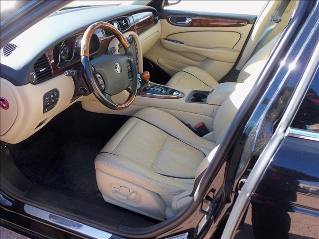 2007 Jaguar XJ (image 5)
